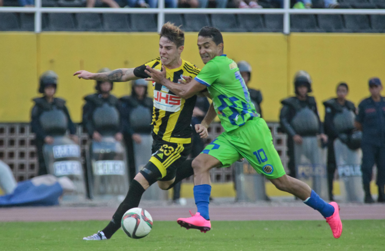 Dany Febles durante el juego disputato ante Mineros. foto: prensa Dvo. Táchira.