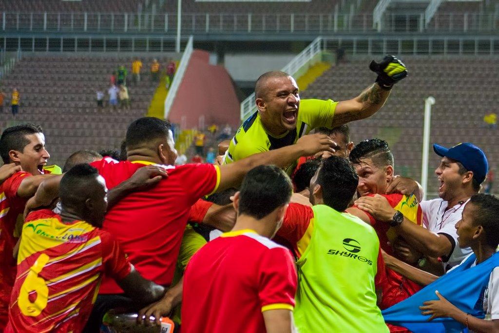 Los jugadores del Danz celebran su pase a semifinales. foto: prensa Deportivo Anzoátegui