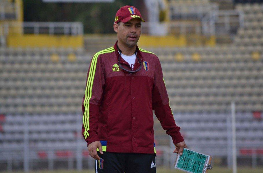Rafael Dudamel durante un entrenamiento con la selección. foto prensa FVF