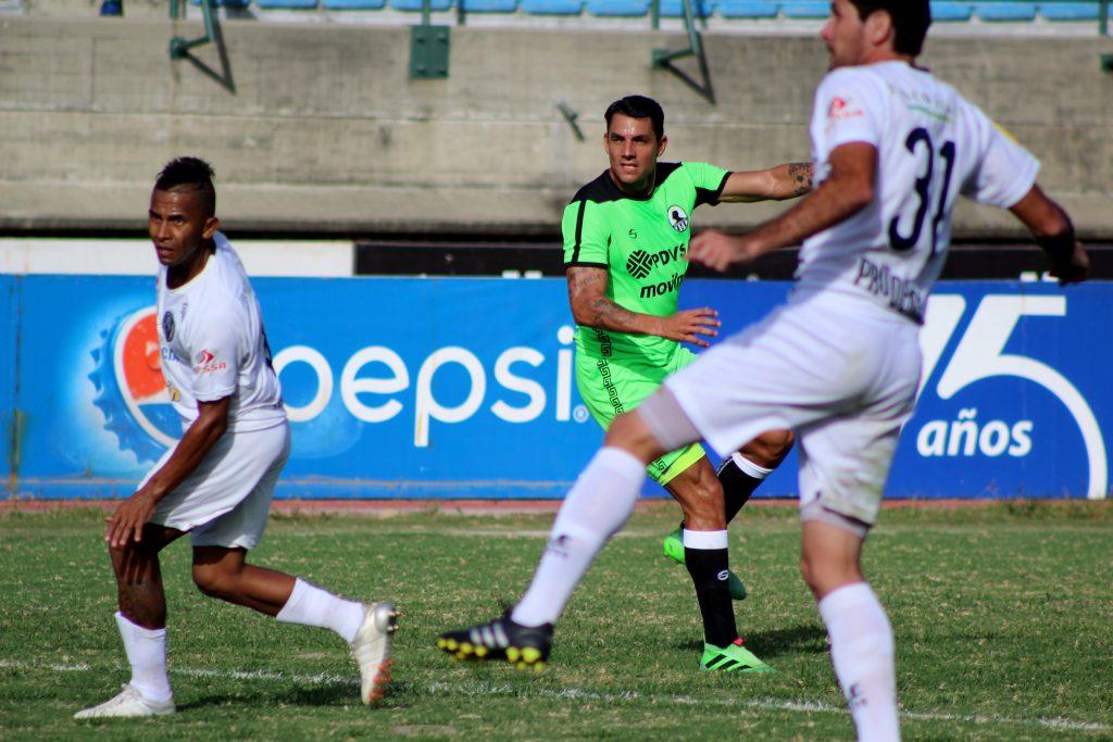 Richard-Blanco_vs_Estudiantes-CSC_CL16